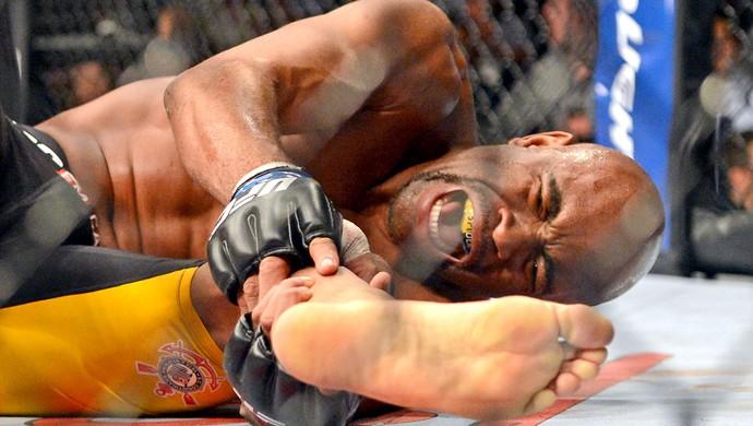 Com lesões frequentes, desafio dos atletas de MMA é