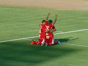 Malaquias marcou o gol de empate logo no início da segunda etapa (Foto: Reprodução EPTV / Devanir Gino)