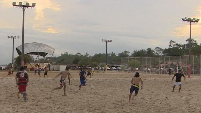 Programação especial de verão reúne crianças e idosos, em Macapá (Foto: Reprodução/TV Amapá)