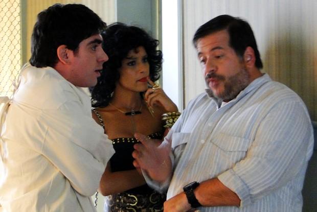 Sheila e Sérgio serão a única esperança de Paladino (Foto: O Dentista Mascarado / TV Globo)