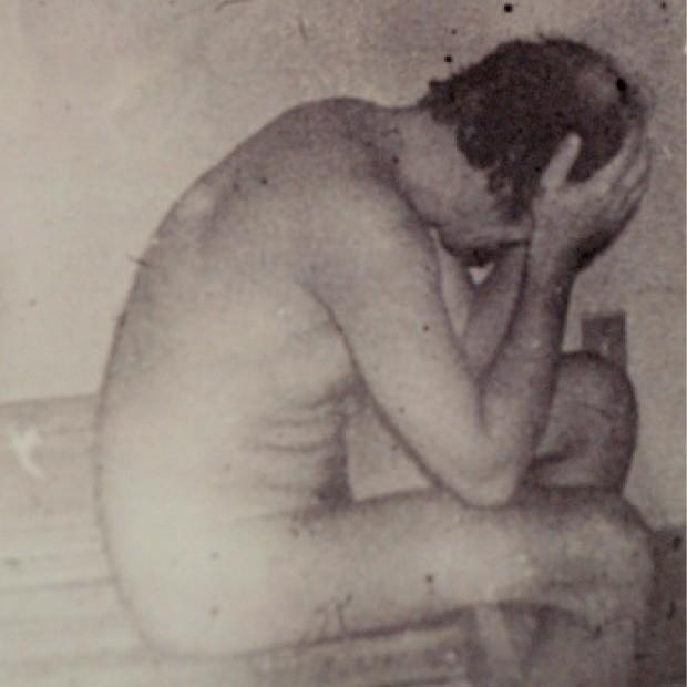 IMAGEM DE UM REGIME   Vladimir Herzog, no DOI-CODI de São Paulo. Jornalista e militante do Partido Comunista Brasileiro, ele foi levado para prestar depoimento, em 1975. Acabou torturado e assassinado no quartel.  (Foto: Reprodução José Cruz/ABr)