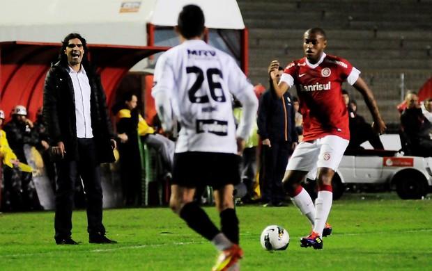 Fernandão, técnico do Inter, contra o Sport (Foto: Alexandre Lops / Inter, DVG)