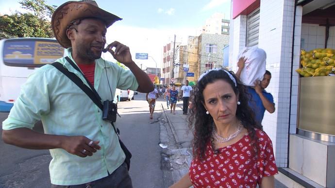 Maria Menezes conhece os vendedores pitorescos de Brotas (Foto: TV Bahia)