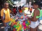 Ambulantes lucram com brinquedos (Vivianne Ramos / G1 Bahia)