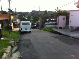 Crime ocorren bairro Armando Mendes, Zona Leste de Manaus (Foto: Camila Henriques/G1 AM)