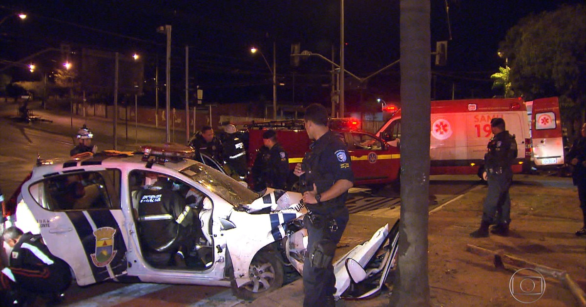 Resultado de imagem para Guardas municipais ficam feridos em acidente na Região da Pampulha