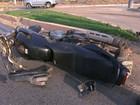 Batida entre carro e moto deixa uma pessoa ferida na Av. Fernando Guilhon