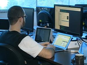 Empresa da capital desenvolve aplicativos para o mercado de trabalho (Foto: Reprodução RBS TV)