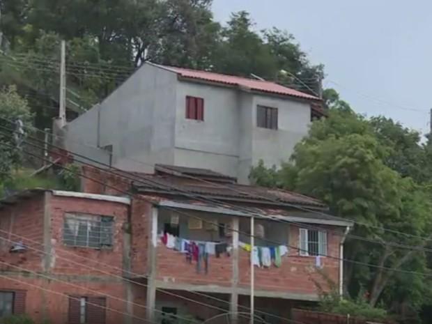 Moradores não querem sair de área de risco em Valinhos (Foto: Reprodução/ EPTV)