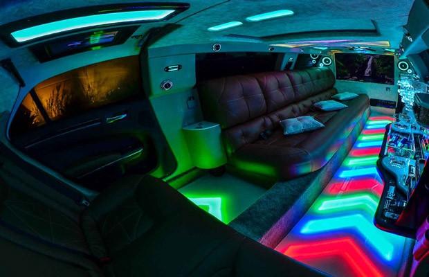 Interior da limusine (Foto: Vertical Imagens)