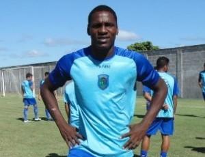 Edwin Canga, atacante equatoriano do Linhares (Foto: Divulgação/Linhares FC)