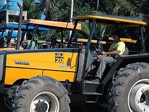 Agências do Sine ofertam vagas de emprego para operador de trator agrícola no ES (Foto: Thiago Guimarães/Secom)