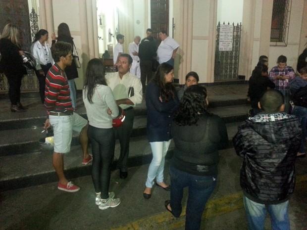 Amigos de Iara continuam inconformados com o que aconteceu (Foto: Ivair Vieira Jr/G1)