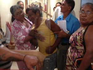 Juvenil Magave estava com dores enquanto aguardava atendimento (Foto: Flávia Dias/G1)
