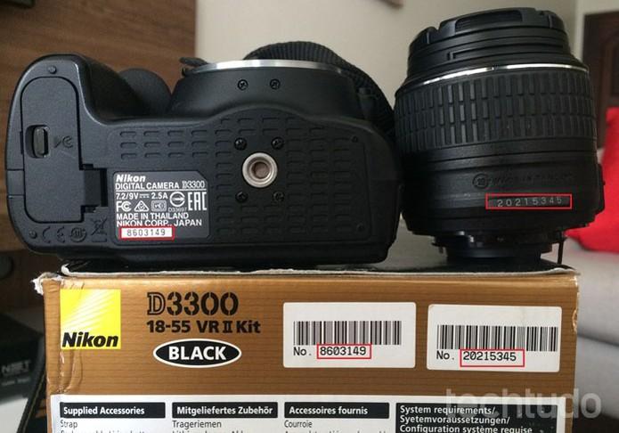 Verifique se o número de série da caixa é compatível com o da câmera e o da lente (Foto: Juliana Pixinine/TechTudo)