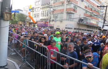 Kits para os 10 KM Tribuna FM começam a ser distribuídos em Santos