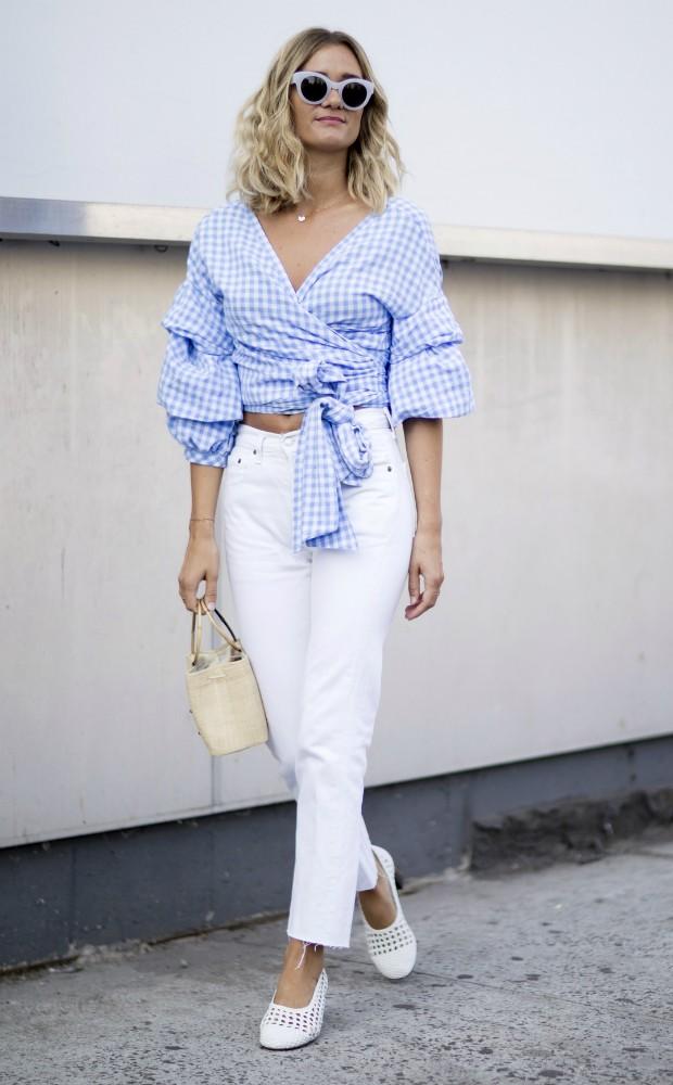 Bolsa de palha vai bem com jeans (Foto: Imaxtree)