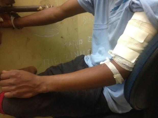 Rapaz também foi baleado, mas ficou preso porque estava foragido (Foto: Nadyenka Castro/G1 MS)