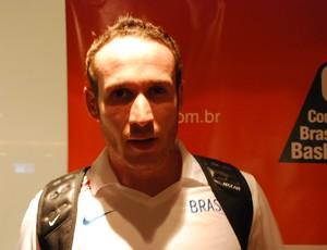 Marcelinho Huertas, na apresentação da seleção brasileira (Foto: Marcos Guerra)