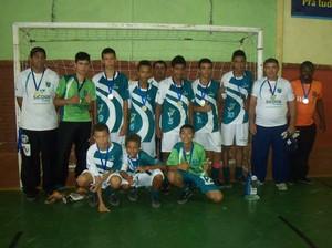 equipes de futsal do projeto Bons Bola em Bom Despacho campea em Lagoa da Prata (Foto: Geraldo Magela/ Arquivo Pessoal)