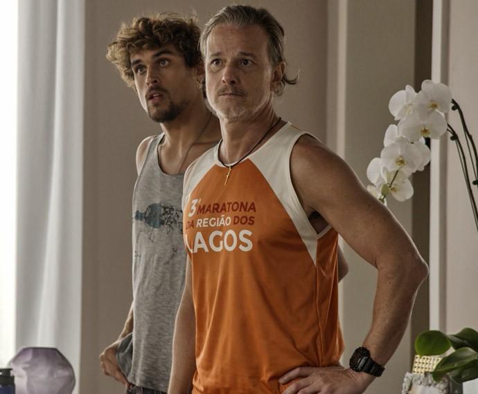 Vavá e Kim acompanham a confusão (Foto: TV Globo)