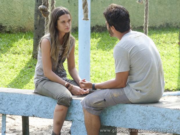 William diz a Lili que ela não pode desistir agora (Foto: Além do Horizonte/TV Globo)