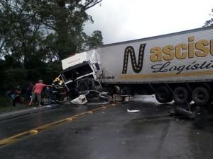 Pelo menos uma pessoa morreu em acidente no Morro dos Cavalos (Foto:  Arcanjo/Divulgação)
