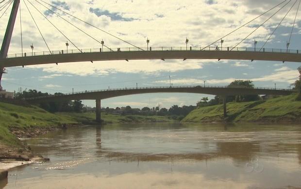 Há 40 anos o Rio Acre não apresentava um nível tão baixo. (Foto: Bom Dia Amazônia)