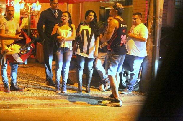 Naldo, Moranguinho e a filha (Foto: Raposão/ AgNews)