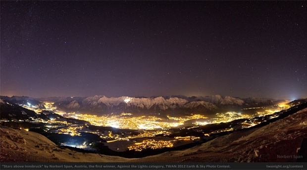 Austr&#237;aco levou pr&#234;mio com a foto 'Estrelas sobre Innsbruck' (Foto: Reprodu&#231;&#227;o)
