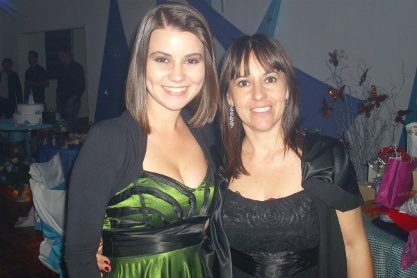 Camila Martins e a mãe Mabel (Foto: Arquivo pessoal)