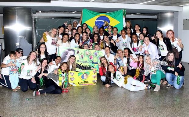 Fãs da Lucero (Foto: Thiago Duran/ AgNews)