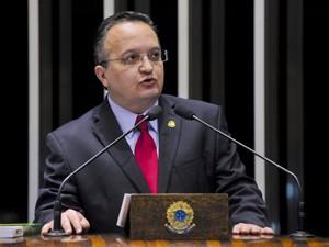 O senador Pedro Taques (PDT-MT), que relatou processo na CCJ (Foto: Geraldo Magela/Agência Senado)