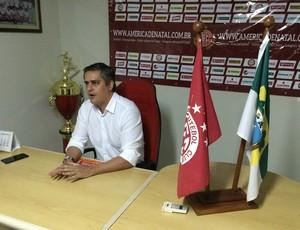 Beto Santos - presidente do América-RN (Foto: Carlos Cruz/GloboEsporte.com)