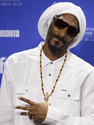 O rapper Snoop Dogg, que agora quer ser chamado de Snoop Lion, no Festival de Cinema de Toronto nesta sexta-feira (7) (Foto: Fred Thornhill/Reuters)