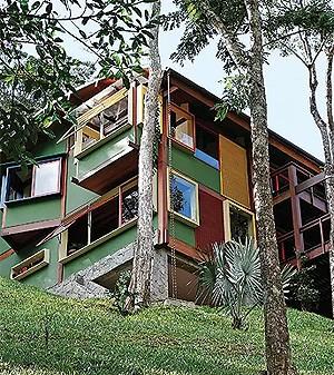 Uma casa ou um barco? Projeto de Sergio Rodrigues na serra fluminense (Foto: Casa e Jardim)