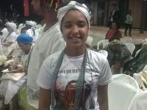 Kaylane Coelho Campor pediu o combate à intolerância religiosa (Foto: Amanda Dourado/G1)