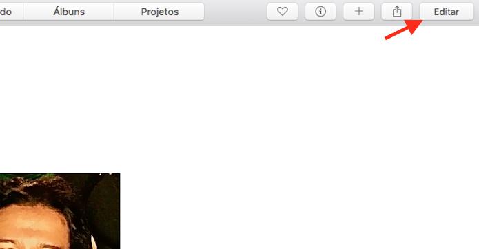 Acessando a ferramenta de edição do aplicativo Fotos do Mac (Foto: Reprodução/Marvin Costa)
