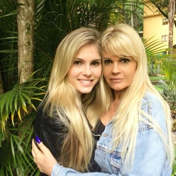 Bárbara Evans com a mãe, Monique (Foto: Instagram / Reprodução)