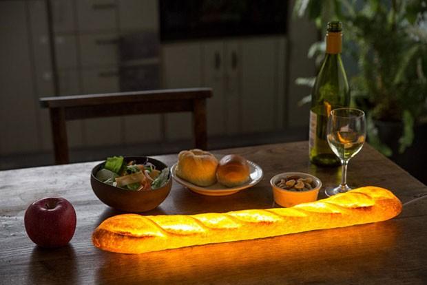 Designer japonesa cria luminárias feitas de pão de verdade (Foto: Divulgação)