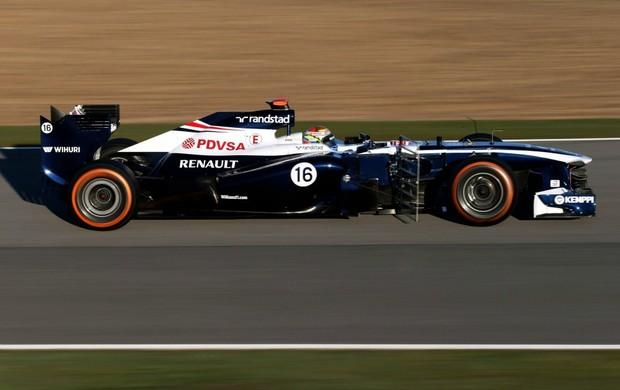 2013: Pastor Maldonado com o FW34 da Williams nos treinos de Jerez. Pintura nova e painel para esconder degrau do bico (Foto: Getty Images)