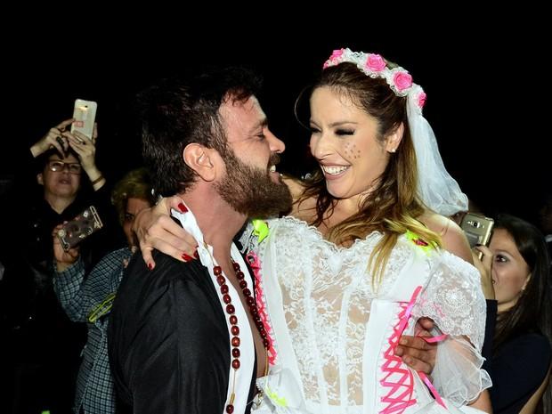 Rodrigo Phavanello e Renata Dominguez em festa julina no Rio (Foto: Roberto Teixeira/ EGO)