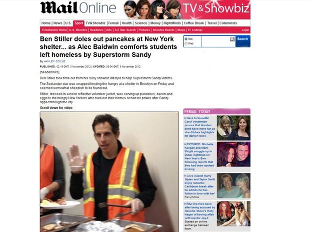 Ben Stiller ajuda a distribuir comida em um abrigo no Brooklyn, em Nova York, para os moradores que ainda estavam afetados pela passagem da tempestade Sandy, em 3 de novembro de 2012  (Foto:  Reprodução/Daily Mail)