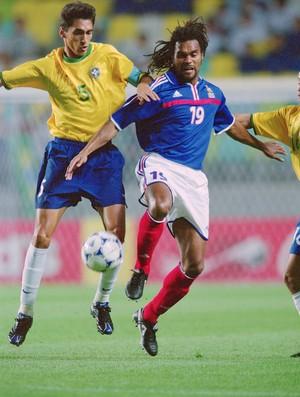 leomar Karembeu brasil x frança   (Foto: Getty Images)