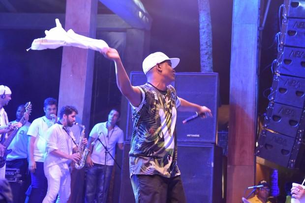 Marcio Vitor em Salvador (Foto: Caio Duran e Charles Naseh/ Divulgação)