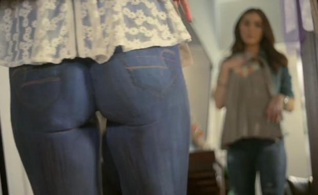 Calça 'ultra justa' virou piada na internet após comercial (Foto: Reprodução)