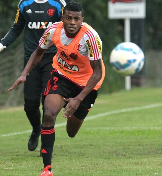 de bandeja (Gilvan de Souza / Flamengo)