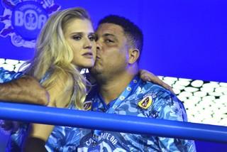 Ronaldo e namorada, Celina Locks (Foto: Roberto Teixeira/ EGO)