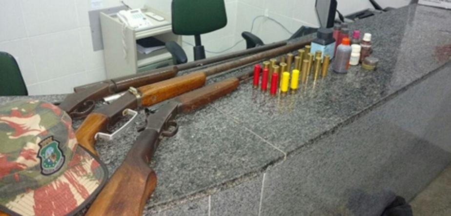 Operação da Polícia Militar apreende três armas de fogo em duas cidades do Ceará