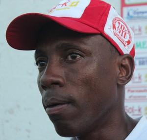 Paulo Isidoro, treinador do Caiçara  (Foto: Emanuele Madeira/GLOBOESPORTE.COM)